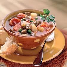 Slow Cooker Beef Vegetable Soup -- http://slowcookerrecipes.healthandfitnessjournals.com