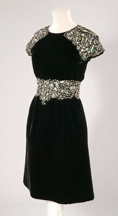 Dress Valentino, 1968 The Victoria & Albert Museum