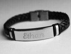 Nom Bracelet ETHAN - Hommes personnalisé cuir tressé Bracelet gravé. Y compris boîte-cadeau et un sac-cadeau.