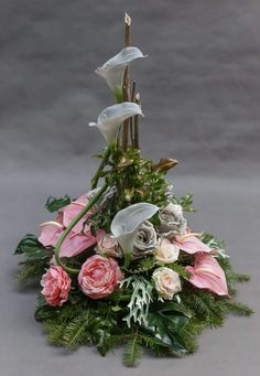 ~ Arrangement More- Gesteck Mehr Arrangement More - Grave Flowers, Church Flowers, Funeral Flowers, Funeral Flower Arrangements, Flower Arrangements Simple, Deco Floral, Arte Floral, Grave Decorations, Flower Decorations