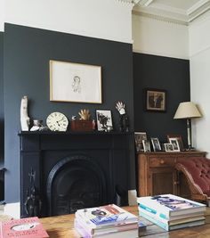 dark walls up to picture trail Farrow And Ball Living Room, Dark Living Rooms, Living Room Grey, Home Living Room, Living Room Designs, Living Room Decor, Bedroom Decor, Bedroom Pictures, Living Room Pictures