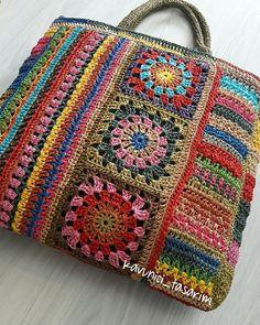 Crochet Mandala Pattern, Crochet Square Patterns, Crochet Fabric, Crochet Tote, Freeform Crochet, Crochet Handbags, Crochet Purses, Knit Crochet, Crotchet Bags