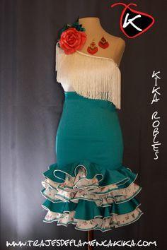 TRAJES DE FLAMENCA KIKA: Faldas y Camisas Flamenco Skirt, Mexican Dresses, Closet Designs, Ankara Styles, Lovely Dresses, African Dress, Dance Dresses, Fashion Prints, African Fashion