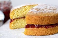 mary-berry-sponge-cake-recipe Mary Berry Sponge Cake, Mary Berry Victoria Sponge, Victoria Sponge Recipe, Victoria Sponge Cake, Vanilla Sponge Cake, Cake Recipes Uk, Sponge Cake Recipes, Baking Recipes, Dessert Recipes