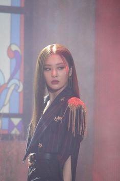 Red Velvet Seulgi, Red Velvet Irene, Kpop Girl Groups, Kpop Girls, Asian Music Awards, My Girl, Cool Girl, Idole, Kang Seulgi