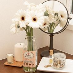 Do you love flowers? Recycle your @leanercreamer bottle and turn it into a vase!!