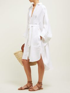 Anna wrap-around leather sandals White Outfits, Summer Outfits, Fashion Moda, Womens Fashion, Retro Fashion, Fashion 2020, Fashion Tips, Fashion Design, Mein Style
