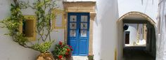Travel guide to Kythira island, in Greece: photos, best beaches, sightseeing. Organize your holidays in Kythira: hotels, ferries and more. Holiday Planner, Beautiful Beaches, Travel Guide, Greece, Organize, Hotels, Island, Holidays, Greece Country