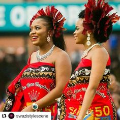 Swaziland traditional garments Extremely similar to South Asian tribal garments and hair adornment African Attire, African Wear, African Dress, African Tribes, African Diaspora, African Inspired Fashion, African Fashion, Zulu Traditional Attire, African Royalty