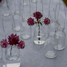 Hanging bottles for single stems