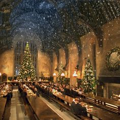 Pin for Later: Attention, Harry Potter Fans: There Will Be a Christmas Dinner Inside Hogwarts Great Hall