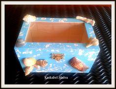 Caja-Joyero - mod Marina. Decorada en pintura tiza con conchas de mar reales. Sígueme en fb.