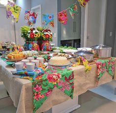 Festa em casa: passo a passo para se planejar e 10 lindas inspirações Ramadan Decorations, Birthday Party Decorations, Christmas Decorations, Birthday Parties, Table Decorations, 2nd Birthday, Picnic Baby Showers, Mexican Birthday, Pallet Wedding