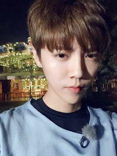 Luhan selfie