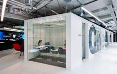 Oktra Office Meeting Room Design