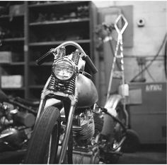 http://www.motorcyclemaintenancetips.com/motorcyclehandlebaroptions.php has some info on the various types of motorcycle handlebars.