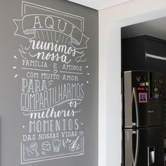 The wall stickers of . Wall stickers give exclusivity to any environment, be it the bedroom, the kitchen or any other . Wall Colors, House Colors, Different Lettering Styles, Home Pub, Chalk Design, Chalk Wall, Chalkboard Lettering, Lettering Tutorial, Posca