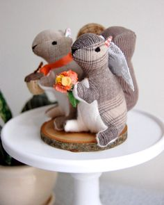 Adorable stuffed animal squirrels wedding cake topper by Sian Keegan via JunebugWeddings.com