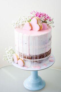 Semi naked cake pink flowers