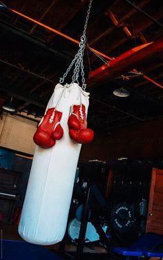Boxing Training, Boxing Workout, Boxing Boxing, Kick Boxing Girl, Red Boxing Gloves, Punching Bag, Workout Aesthetic, Karate, Martial Arts