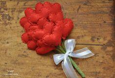 Buquê de corações de feltro - Vermelho