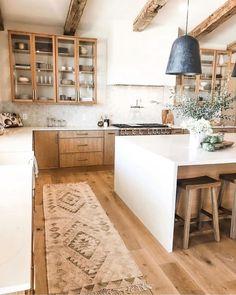 Home Decor Kitchen, Kitchen Interior, New Kitchen, Home Interior Design, Home Kitchens, Tuscan Kitchens, 1950s Kitchen, Kitchen Layout, Kitchen Ideas