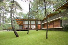 Természetes anyagok, kő és fa - modern ház erdei környezetben - TOC House / Elías Rizo Arquitectos