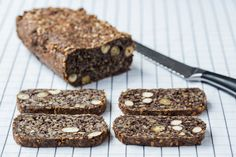 This Thermomix Seed Bread is the best alternative to a traditional loaf and it totally gluten free and vegan. A healthy bread recipe to start your day. Healthy Bread Recipes, Snack Recipes, Paleo Bread, Paleo Baking, Yummy Recipes, Free Recipes, Healthy Snacks, Keto Recipes, Healthy Eating