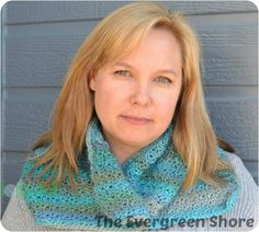 Free crochet cowl pattern.  The Flip Your Collar Cowl, designed by The Evergreen Shore exclusively for Cre8tion Crochet