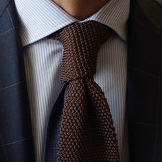 \\ navy windowpane jacket, pinstripe shirt, ♥ the tie (actually ♥ the navy detail  the tail of the tie)