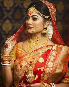 Indian Bride Poses, Indian Bridal Photos, Indian Wedding Bride, Indian Wedding Fashion, Bengali Wedding, Indian Wedding Couple Photography, Photography Couples, Bridal Photography, Photography Ideas