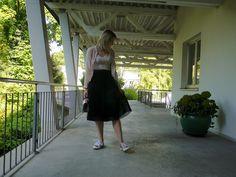 black tulle skirt, pink bomber jacket, metallic rose gold sneakers, summer, fall, ballerina, style, fashion, mode, fashionblogger, modeblogger, fashion inspiration
