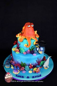 This cake took over a month's planning, designing and prep. My kids were so into this movie and with a sweetheart like Dory I def wanted this cake to be right in all ways. Hank on the top is all sugar paste and so are all the corals and sea. Cupcake Party, Party Cakes, Marine Cake, Octopus Cake, Nautical Cake, Sea Cakes, Disney Cakes, Novelty Cakes, Finding Dory Cakes