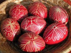 tojas minta - Google Search Easter Egg Pattern, Ukrainian Easter Eggs, Easter Crafts, Easter Decor, Egg Decorating, Happy Easter, Holiday Decor, Creative, Handmade