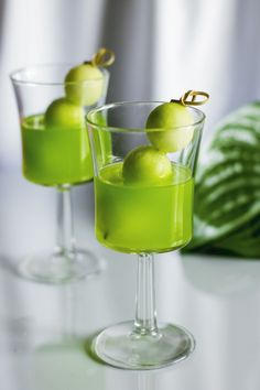 Chasing Delicious | Melon Ball (vodka, melon, pineapple juice)