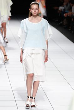 Issey Miyake Spring 2014 Ready-to-Wear Fashion Show: Complete Collection - Style.com