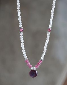Pearl Necklace, Beaded Necklace, Semi Precious Gemstones, Diy Jewelry, Glass Beads, Jewels, Facebook, Crystals, Bracelets