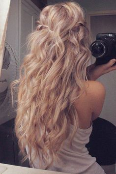 The Hottest Female Hair Trends for 2015 Year http://pinmakeuptips.com/the-hottest-female-hair-trends-for-2015-year/