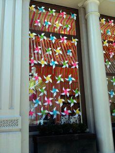 kate spade window installation