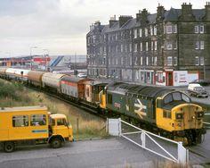 "Liam on Instagram: ""Leith, Edinburgh 1987 #edinburgh #class37 #diesellocomotive"" Electric Locomotive, Diesel Locomotive, National Rail, Ho Model Trains, Train Room, Abandoned Train, British Rail, Old Trains, Model Train Layouts"