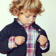 Lanolino AW'15 collection www.etsy.com/shop/lanolino #yosolito  Chaqueta tejida a mano con lana merino. Tenéis varios colores disponibles! #handwoven #knit #handmade #lanamerino #puntobebe #checks #lanolino #kidswear #babyclothes #merinowool #knitting #christmas #ropadeniños #strik #punto