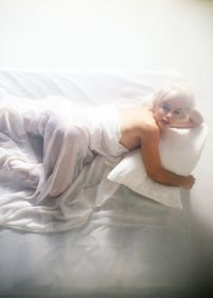 Marilyn Monroe by Douglas Kirkland, 1961 - http://dunway.com (Dunway Enterprises) http://www.amazon.com/gp/product/0762443324/ref=as_li_tl?ie=UTF8&camp=1789&creative=9325&creativeASIN=0762443324&linkCode=as2&tag=freedietsecre-20&linkId=7NCWVCSPT5T4YPU3%22
