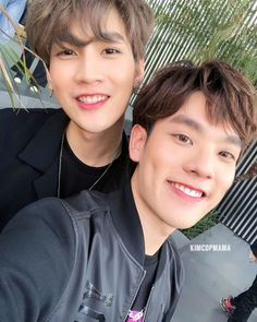 so cute ❤ 2moons The Series, Web Series, Cute Gay Couples, Thai Drama, Fujoshi, Pop Group, Future Husband, Cute Boys, Boy Bands