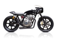 Welcome to Cafe Racer Design! We focus solely on showcasing the design of Cafe Racer Motorcycles. Cafe Racer is a term used for a type of motorcycle and the cyclists who ride them! Sr400 Cafe, Yamaha Sr400, Cb750, Ducati, Triumph Rocket, Cafe Bike, Cafe Racer Motorcycle, Motorcycle Quotes, Motorcycle Design