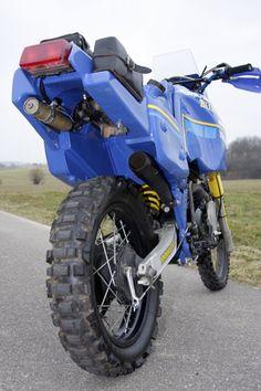 Sonauto Tenere Stearns im Detail - 1985 Paris Dakar Yamaha - Motorrad Motorcycle Tires, Motocross Bikes, Scrambler Motorcycle, Bmw Motorcycles, Motorcycle Outfit, Yamaha Cafe Racer, Yamaha Xt 600, Super Tenere, Moto Enduro