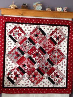 "Alabama quilt ""Roll Tide"" Alabama College, Alabama Football, Rag Quilt, Quilt Blocks, Quilting Ideas, Quilt Patterns, Alabama Quilt, Football Quilt, Sports Quilts"