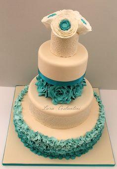 WEDDING IVORY AND TIFFANY - by LaraCostantini @ CakesDecor.com - cake decorating website