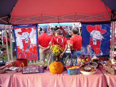 Tailgating in the Grove, Ole Miss - Georgia Game 09.30.2006 | by Deep Fried Kudzu