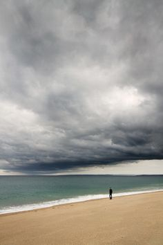 Storm Walking, by Lucie Averill @ Flickr
