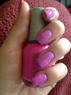 How to Create Nail Art With a Fan Brush